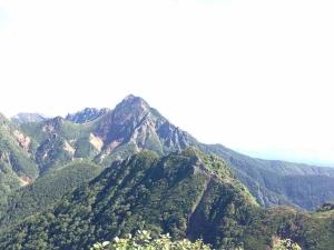 赤岳への道