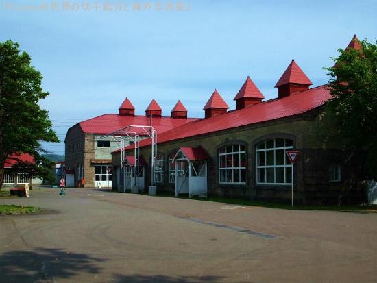 乾燥棟(キルン塔)の特徴的な屋根は「パゴタ屋根」