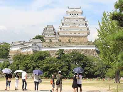 姫路城-三の丸から