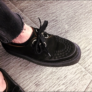 30fbd36b5f 今日インスタグラムで衣裳さんのオシャレなスニーカーをポストしましたが、ブログでは僕の靴をw