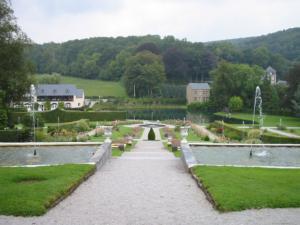 アンヌボア城のお庭(ベルギー)