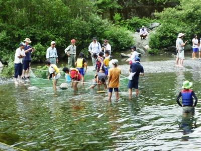 緑の少年団交流会23川遊び