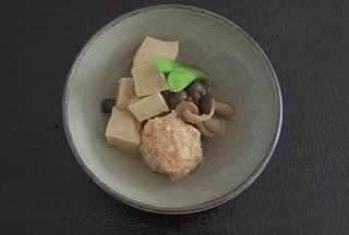 肉団子と高野豆腐の煮物