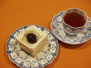 ぶどうのスポンジケーキ