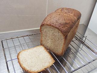 ライ麦と全粒粉のパン