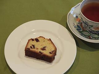 クランベリーケーキとお茶1805