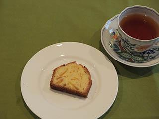 甘夏のケーキとお茶