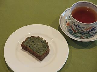 よもぎのけーきとお茶1805