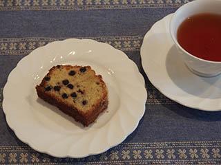 ブルーベリークランブルケーキとお茶1807