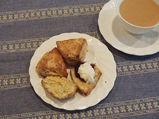 オートミールスコーンとお茶1807