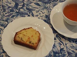 柑橘類のケーキとお茶1808