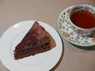 チョコレートケーキとお茶1809