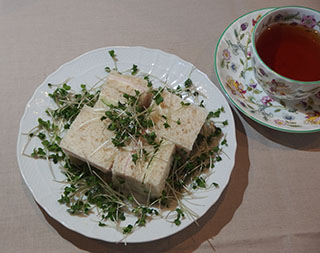 サンドウィッチとお茶1809