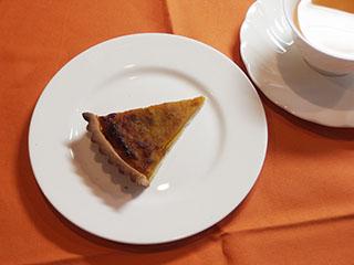 パンプキンタルトとお茶1810