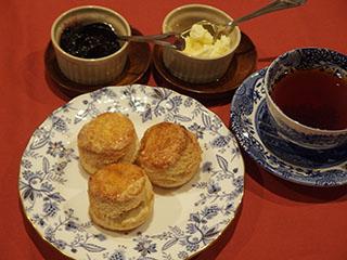 スコーンとお茶1811