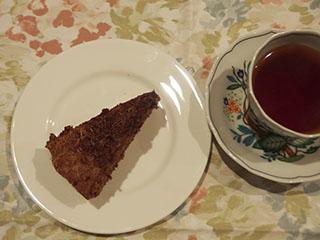 チョコレートケーキとお茶1811