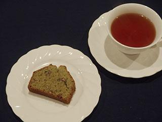 抹茶とあずきのけーきとお茶1901