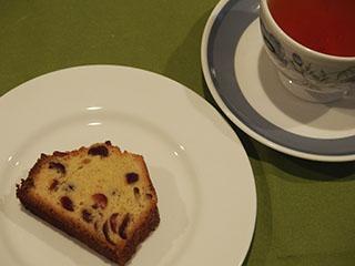 クランベリーケーキとお茶1905