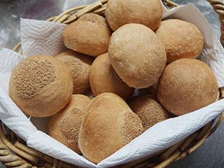 漢宝塩のパン1905