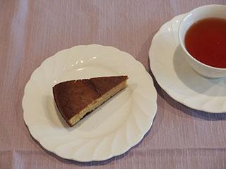 ごま味噌チーズケーキとお茶1906