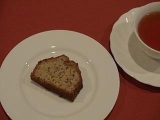 紅茶のケーキとお茶1911