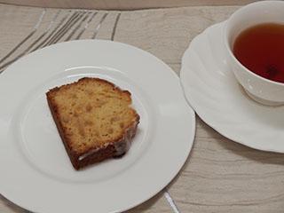 レモンピールケーキとお茶2008