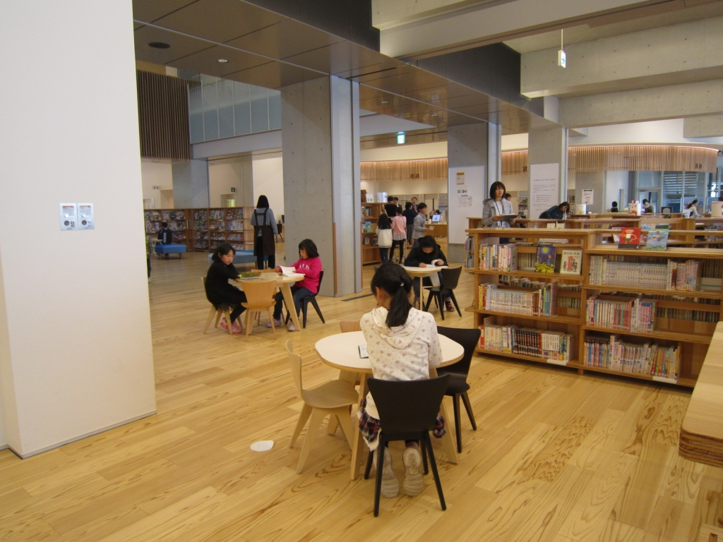 大崎市図書館での自由時間2