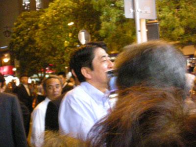 安倍首相 握手
