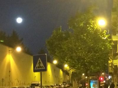 リスボンの月