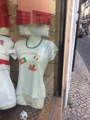 キティちゃんポルトガルTシャツ