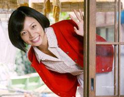 輝く笑顔が魅力。新CMの女王、相武紗季さん=長谷川直亮写す