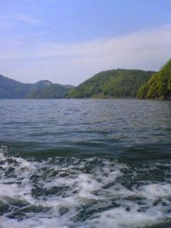 三方五湖−遊覧船から