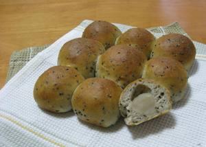 ちぎりパン*黒ごま&白餡