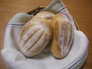 少しのイースト*牛乳パン