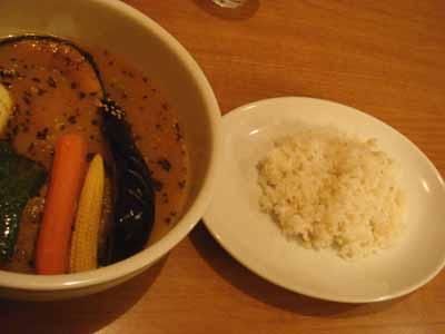 マグマ 鶏モモ野菜カレー 辛さマイナス2番とごはん