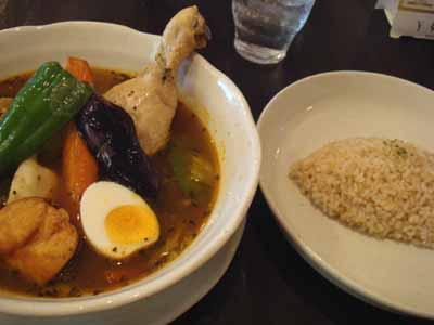曼荼羅 チキン 薬膳スープ エビ餃子トッピングと玄米ごはん