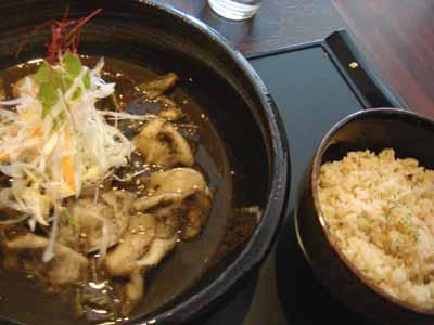 曼荼羅 札幌中央店 餃子の山 ブラックスープとごはん