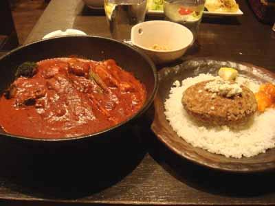 lavi KOTONI 角煮to野菜 エビチリ、納豆、ブロッコリー×2、まいたけ、ハンバーグ、ブルーチーズトッピング