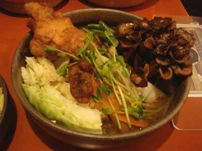 VOYAGE新曼陀羅スープ サクッとスパイスチキン キャベツ、舞茸一塊トッピング