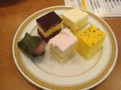 ロイン亭 プチケーキ、プチさくらもち