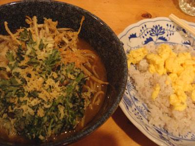 とら 天ぷらカレーそば、十穀米+スクランブルエッグ