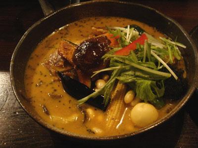 Rojiura Curry SAMURAI. 道産地鶏と野菜14種 マイルドスープ