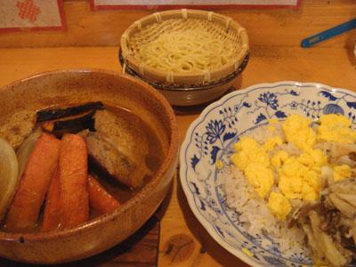 とら 軟骨入りつくねハンバーグ 鶏半分、野菜3種トッピング、十穀米+きのこミックス天ぷら×2、替え玉らうめん