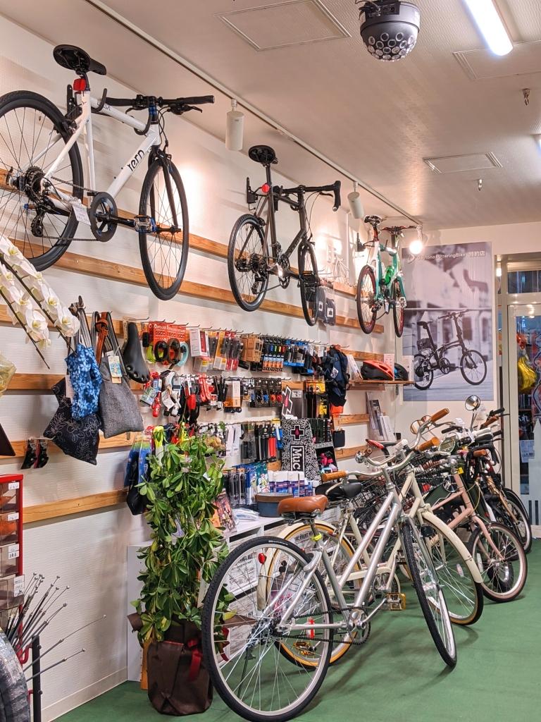 ちいさな自転車家 栄店 店内