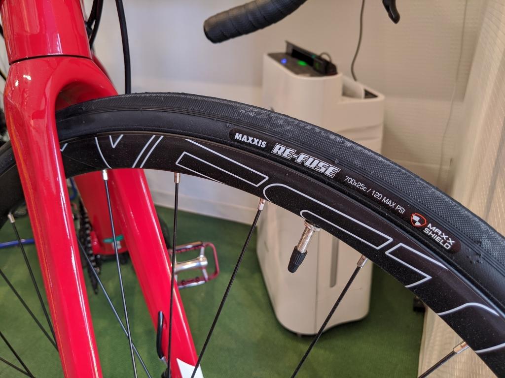 ちいさな自転車家 NESTO ALTERNA DISC ロードバイク
