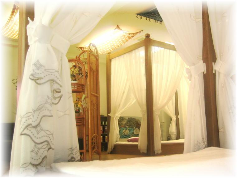 札幌タイ式マッサージタイもみ施術ベッド