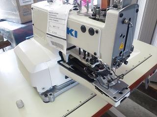 単糸環縫ボタン付けミシン