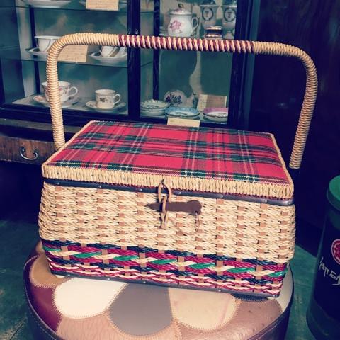 レトロ バスケット 裁縫箱
