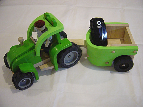 トラクター&トレーラー 木のおもちゃ スマイリートイ