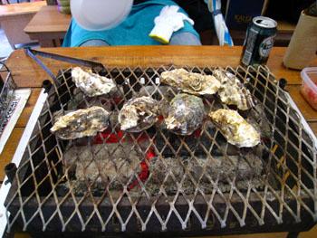 牡蠣焼き中